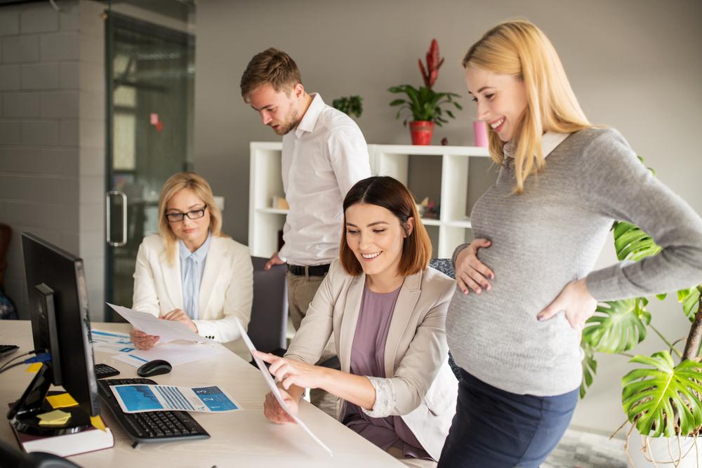 Att vara surrogatmamma för en annan kvinna som själv inte kan bli gravid är en av de mest generösa handlingar en människa kan göra för en annan
