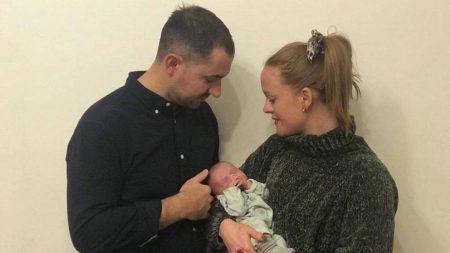 Anneli och Navid Diehl med Cleo född av surrogatmamma i Ukraina - Nordic Surrogacy