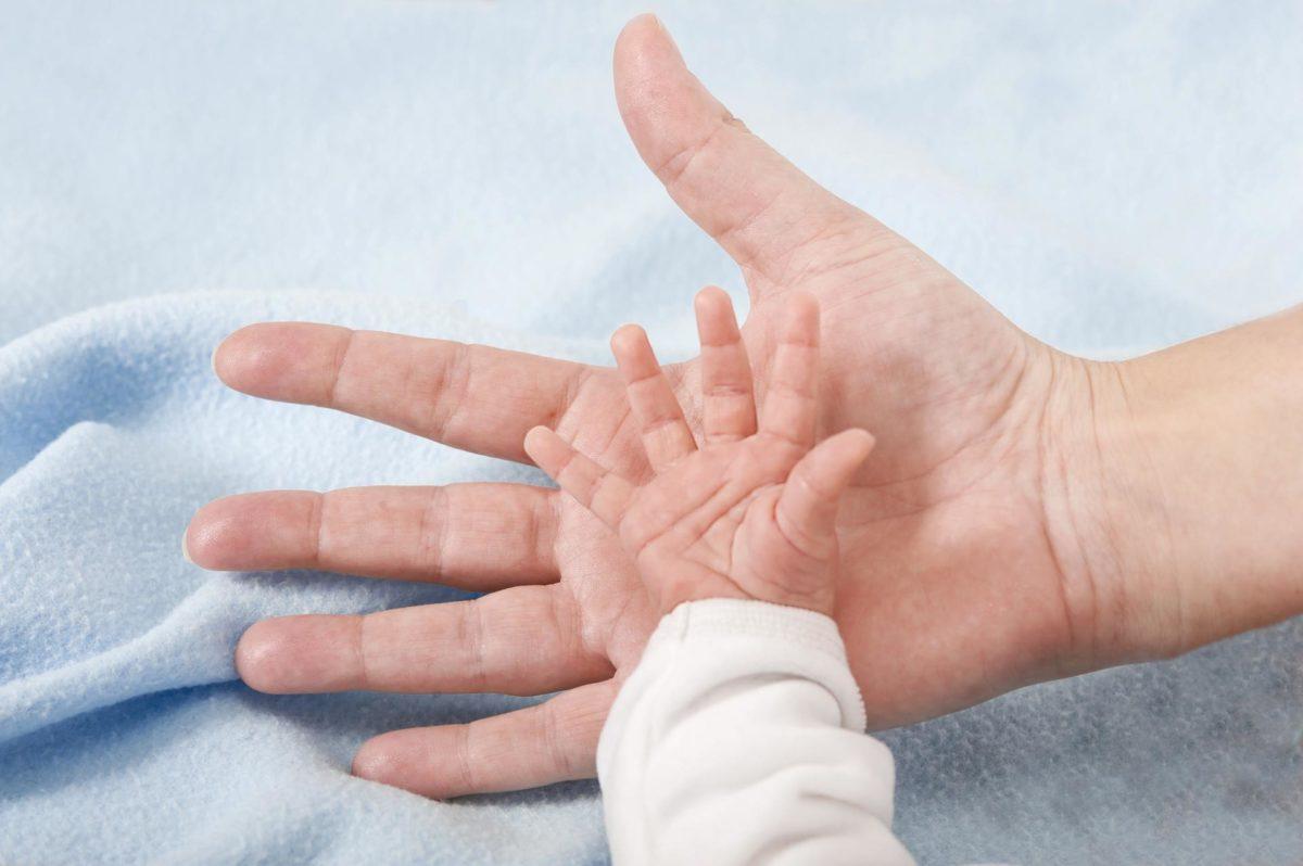 De blir foreldre til et barn født av en surrogat i USA - Nordic Surrogacy