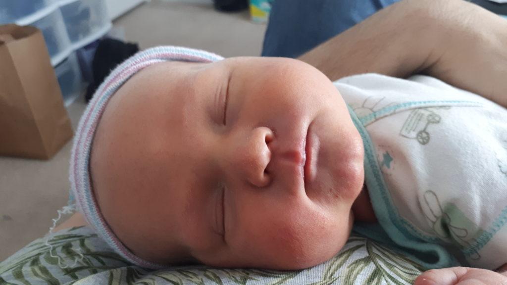 Erik født av rugemor i USA - Nordic Surrogacy