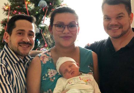Paret md surrogatmoren og deres lille søn - Nordic Surrogacy