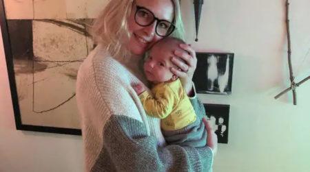 Maria Gustafsson med sonen Ebbe som föddes av surrogatmamma i USA - Nordic Surrogacy