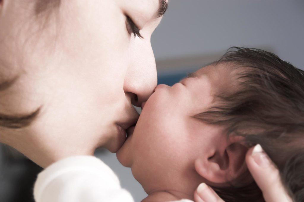 Surrogatbarn hamnar i kläm för att politiken inte kan enas - Nordic Surrogacy