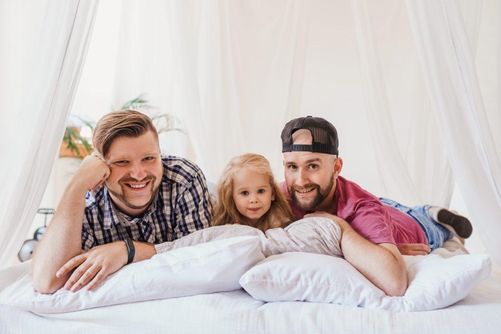 Surrogatmamma och äggdonation för HBTQ - Nordic Surrogacy